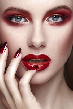 Anastasiya Phtographed by Miguel Herrera. Makeup by Clotilde Sourisseau