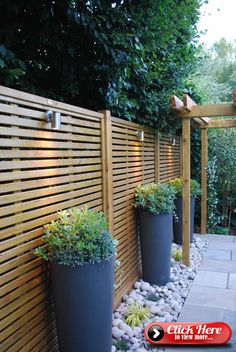35 Smart And Stylish Garden Screening Ideas to to Transform Your Garden Backyard Patio Designs, Small Backyard Landscaping, Backyard Fences, Landscaping Ideas, Fenced In Backyard Ideas, Patio Fence, Backyard Greenhouse, Hillside Landscaping, Small Backyard Gardens