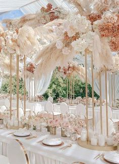Luxury Pink and gold long wedding tablescape with hanging floral decor and tall wedding centerpieces Pampas grass wedding reception decor for the Boho Glam Bride - Galina Nabatnikova Photography Tall Wedding Centerpieces, Wedding Table Centerpieces, Wedding Reception Decorations, Flower Centerpieces, Blush Centerpiece, Centerpiece Ideas, Decor Wedding, Graduation Centerpiece, Quinceanera Centerpieces