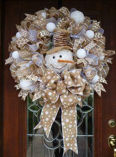 nice 48 Totally Inspiring Christmas Wreaths Decoration Ideas as White as Snow https://decoralink.com/2017/11/10/48-totally-inspiring-christmas-wreaths-decoration-ideas-white-snow/