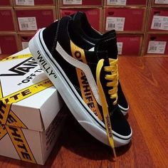 Shoes Sneakers Vans Outfit Source by Shoes Tenis Vans, Vans Sneakers, Sneakers Fashion, Adidas Fashion, Vans Outfit, Nike Casual, Custom Vans Shoes, Cool Vans Shoes, Aesthetic Shoes