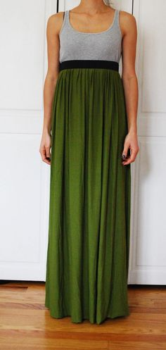 Very simple maxi skirt tutorial. You could use it to make a t-shirt maxi dress, too.