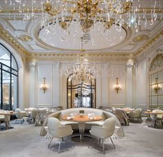 Amazing Interior Design Project by PATRICK JOUIN ID. Alain Ducasse au Plaza Athénée, 2014 #frenchinteriordesign #architecturedinterieur