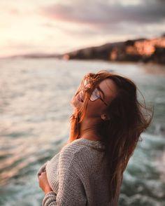 retratos femininos | ensaio feminino | ensaio externo | fotografia | ensaio fotográfico | fotógrafa | mulher | book | girl | senior | shooting | photography | photo | photograph | nature | sea | oceano | mar | wind | vento