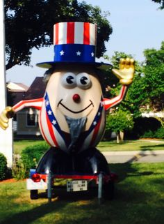 Mr Potato Head Statue wearing an   Uncle Sam outfit