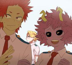 Aoyama's looking at the camera again lol