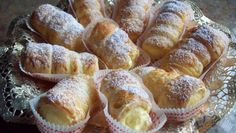 Cannoncini con crema chantilly, delicious mignon pastries for a delicious Italian breakfast