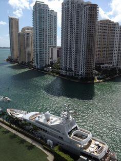 Ocean Drive,Miami Beach Florida >> Do you like South Beachdo you like South Beach. Find the best hotels in MySoBe.com.