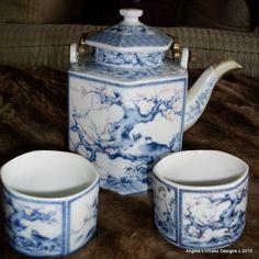Blue and white tea pot.