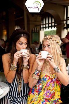 Bazen ihtiyacın olan tek terapi en yakın arkadaşınla kahve içmektir … #VerdeSağlık #MutluPazarlar