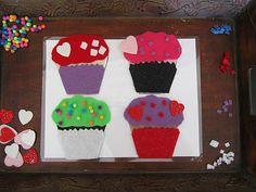 Busy Bags/ Fine Motor Skills: Felt cupcakes