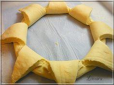 Ez a Napraforgó kalács vagy kenyér, ki hogyan nevezi, évek óta fut a magyar gasztroblogokon Max-nak köszönhetően, aki e... Sunflower Cakes, Weekly Menu, Essie, Bakery, Lime, Recipes, Cooking, Crochet, Breads