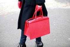 Street looks à la Fashion Week homme automne-hiver 2013-2014 de Paris - Jour 4 http://www.vogue.fr/vogue-hommes/mode/diaporama/street-looks-a-la-fashion-week-homme-automne-hiver-2013-2014-de-paris-jour-4/11415/image/674609#3