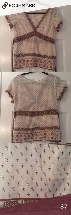 """American Eagle Outfitters Top Size 10 Super lightweight American Eagle Outfitters Top Size 10 - ties in back. Bust across front: 20"""" American Eagle Outfitters Tops Blouses"""