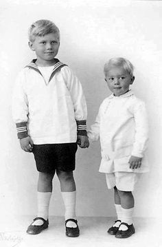 Sons of Grand Duchess Olga Alexandrovna of Russia and her second husband Nikolai Alexandrovitch Kulikovsky - See this image on Photobucket.