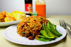 A culinary highlight was 'mamposteao,' a simple rice and bean side dish. Habichuelas Guisadas, Recetas Puertorriqueñas, Boricua Recipes, Cilantro Lime Rice, Puerto Rican Recipes, Comida Latina, Skirt Steak, Salad, Deserts