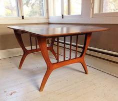 Minneapolis: Mid Century Drop Leaf Dining Table $50 - http://furnishlyst.com/listings/735789