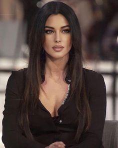 Most Beautiful Faces, Beautiful Celebrities, Gorgeous Women, Beautiful People, Monica Bellucci, Cute Girl Face, Jolie Photo, Mannequins, Woman Face