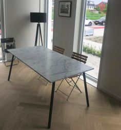 Marmeren Eettafel - Edith - Schuine poten Funny Stories, Marble Top, Terrazzo, Dining Table, House, Furniture, Home Decor, Decoration Home, Home