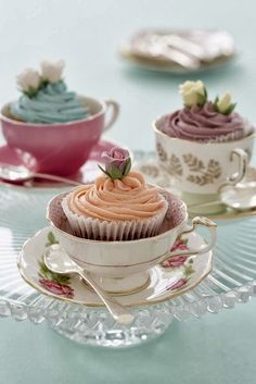 cupcakes in vintage tea cups.for my niece's bridal shower tea party. Bridal Shower Tea, Tea Party Bridal Shower, Baby Shower Tea, Bridal Shower Cupcakes, Baby Showers, Tea Party Wedding, Bridal Shower Vintage, Wedding Table, High Tea Wedding