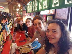Fericitele participante din Tabara Fukuoka, Japonia din vara 2016 degustand mancarea japoneza!  Vino si tu in Tabara Fukuoka 2017 - Viziteaza Japonia si invata limba japoneza! Acest program se adreseaza tinerilor interesati de invatarea limbii japoneze pentru orice nivel lingvistic si care doresc sa-si petreaca o vacanta descoperind limba, cultura si civilizatia locala din Japonia.  Pentru detalii: 0736 913 866 office@mara-study.ro www.mara-study.ro