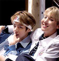 Vhope a good looking couple Kim Taehyung Jung hoseok V Taehyung, Namjin, Jikook, Yoonmin, Wattpad, Kpop, Vhope Fanart, Bts Snapchats, Fanfiction