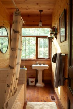 Gallery: Gorgeous cottage bathrooms – Cottage Life