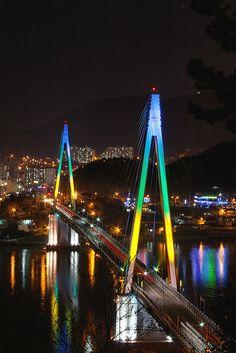 Yeosu Korea Dolsan Bridge