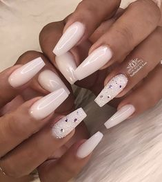 """The """"milky"""" manicure nails are the trends you see for the entire 2020 - FrancescaChantal White Acrylic Nails, White Nail Art, Best Acrylic Nails, Summer Acrylic Nails, Long White Nails, Nail Pink, Orange Nail, Nagellack Design, Nagellack Trends"""