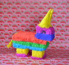 Esel Piñata  Valentina Piñatas ♥ Ihr kreatives Team mit frischen Ideen. Die schönsten Piñatas in Deutschland! In DE handgemacht mir einer fairen und umweltbewusste Herstellung!