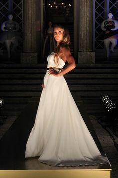 Micaela Oliveira Gala Dresses, Wedding Dresses, Wedding Bride, Dream Wedding, Fashion Show Party, One Shoulder Wedding Dress, Party Dress, Glamour, Bridal