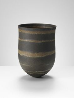 Dark olive, umber rings, 2012 by Jennifer Lee presented by Frank Lloyd Gallery Contemporary Ceramics, Modern Ceramics, Ceramics Ideas, Wabi Sabi, Jennifer Lee, Clay Art Projects, Ikebana, Rock Art, Textures Patterns