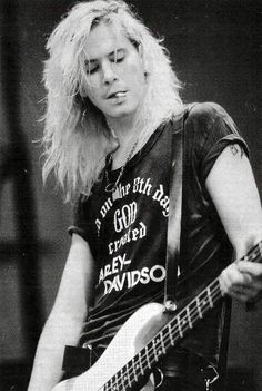 Duff McKagan [[in a Harley tee no less]]