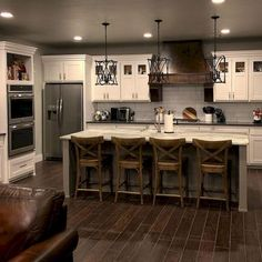 Are you looking for rustic kitchen design ideas to bring your kitchen to life? I have here great rustic kitchen design ideas to spark your creative juice. Kitchen Decorating, Home Decor Kitchen, New Kitchen, Home Kitchens, Awesome Kitchen, Kitchen Interior, Smart Kitchen, Kitchen White, Kitchen Themes