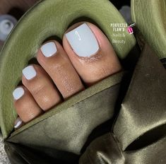 Toe Nails White, Gel Toe Nails, Acrylic Toe Nails, Pretty Toe Nails, Cute Toe Nails, Gel Toes, Pretty Toes, Toenails, Gel Nail