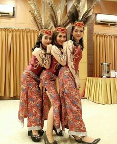 Beautiful Asian Girls, Beautiful Women, Native Girls, Borneo, Traditional Dresses, Hijab Fashion, How To Look Better, Culture, Costumes