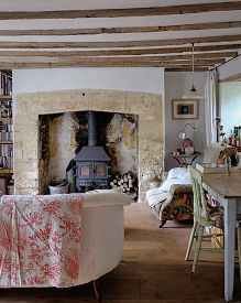 English country cottage living room with woodbutner Country Cottage Interiors, Style Cottage, Country Interior, Country Decor, Cottage Living Rooms, Cottage Homes, My Living Room, Cottage Bedrooms, Salons Cottage