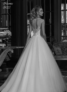 Noemia (08022) Sold Exclusively at Bridal Room in Pretoria & Johannesburg. Book your appointment today.