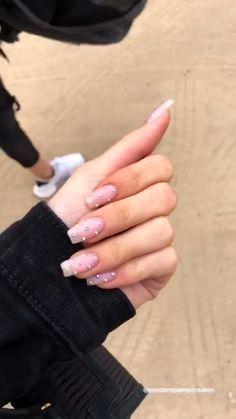 Nails Design Coffin Shape Kylie Jenner Ideas For 2019 Coffin Nails Designs Kylie Jenner, Acrylic Nails Kylie Jenner, Kylie Nails, Clear Acrylic Nails, Acrylic Nail Designs, Yellow Nails, Green Nails, Pastel Nails, White Nails