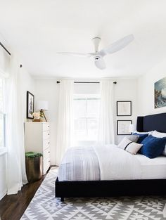 The Easiest Guest Room Makeover Ever Get The Look Bedroom Home Decor Bedroom, Modern Bedroom, Bedroom Ideas, Master Bedroom, Bedroom Ceiling, Bedroom Fan, Bedroom Makeovers, Bedroom Lighting, Bedroom Colors