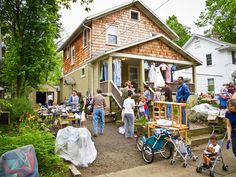 If you do your best to make your yard sale look like a retail store rather than a bunch of stuff you've haphazardly dumped on your front lawn, you've more likely to get good results.