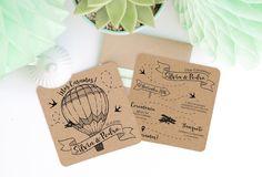 Invitación de boda original Love is in the air combina el estilo rustico con el tema de los viajes. Detalles a juego con el papel y sobre kraft.