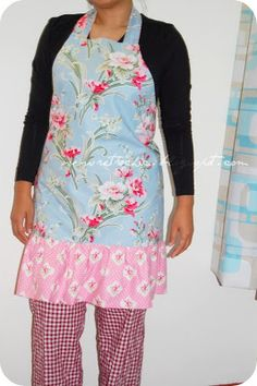 Sew Retro Chic!: Tutorial : Simple Ruffled Apron/how to draw a pattern
