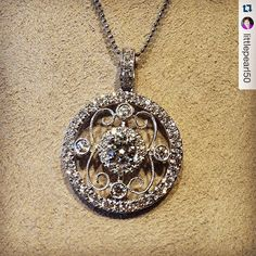 We hope your day is full of sparkle! #forevermark #brombergsjewelry #diamondsallthetime #pendants #thesummit #saturday #gorgeous #bling repost @littlepearl50 @forevermarkdiamonds