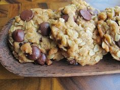 Vegan oatmeal chocolate chip cookies from Serious Eats Chocolate Chip Cookies Rezept, Vegan Oatmeal Cookies, Oatmeal Chocolate Chip Cookie Recipe, Coconut Oatmeal, Chocolate Chips, Coconut Chocolate, Coconut Oil, Yummy Oatmeal, Oat Cookies