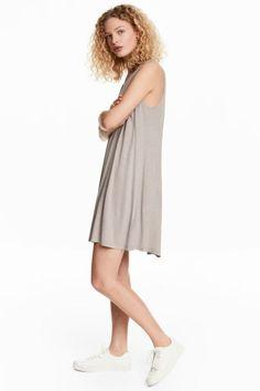 Vestido con escote de pico - Topo claro - MUJER | H&M ES 1
