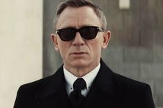 Daniel Craig as James Bond 007 in Spectre - London. A real Gentleman James Bond Sunglasses, Tom Ford Sunglasses, Tom Ford James Bond, New James Bond, James Bond Movies, Rachel Weisz, Daniel Craig, Craig James, Sunglasses
