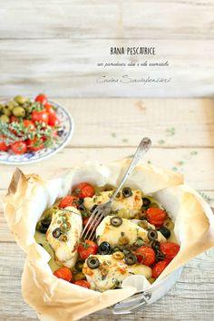 Rana pescatrice al forno con pomodorini olive e erbe aromatiche