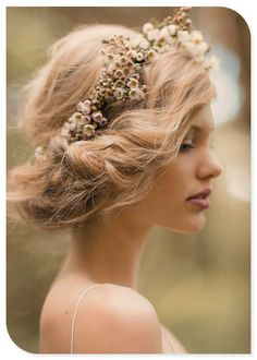 Messy updo loving the dried flowers
