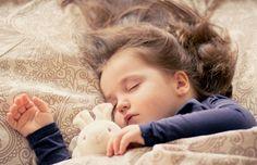 Un 17% de los menores sufre 'borrachera del sueño'